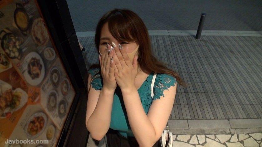 [533NNS-019]爆裂HカップP活娘!!某有名ホテル勤務の爆乳ドM娘に無許可大量中出し!!
