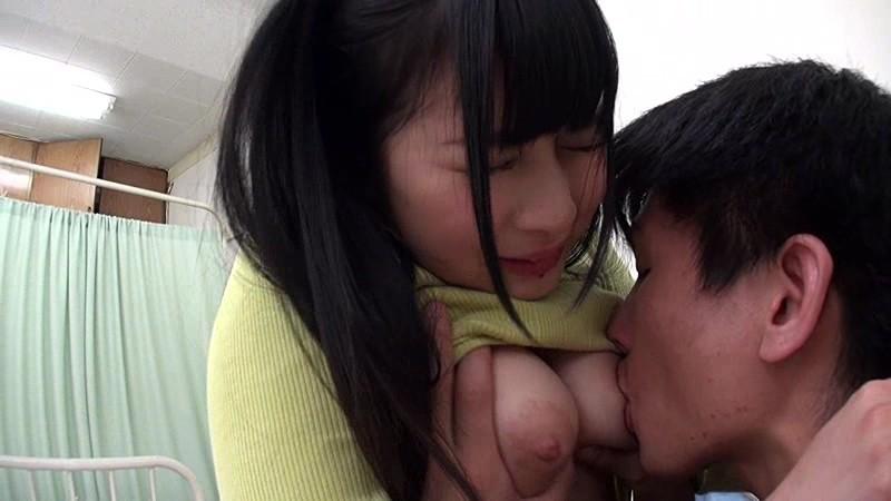 [中国語字幕]SCOP-526 お見舞いに来てくれた知り合いの妹がいつのまにかオトナの女性に。成長した胸が服にフィットし乳首ぽっちがこんにちは。友達がいなくなったことをいいことに妹に性処理依頼をしたら、激しい騎乗位でしっかり中出しさせてくれた!!