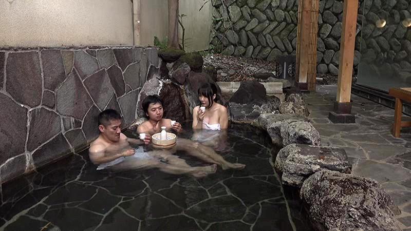 DANDY-574 「混浴温泉でご近所の美熟妻と二人きり◆ 大きな胸を見ながらせんずりしているのがバレて怒られるかと思ったら…」VOL.2