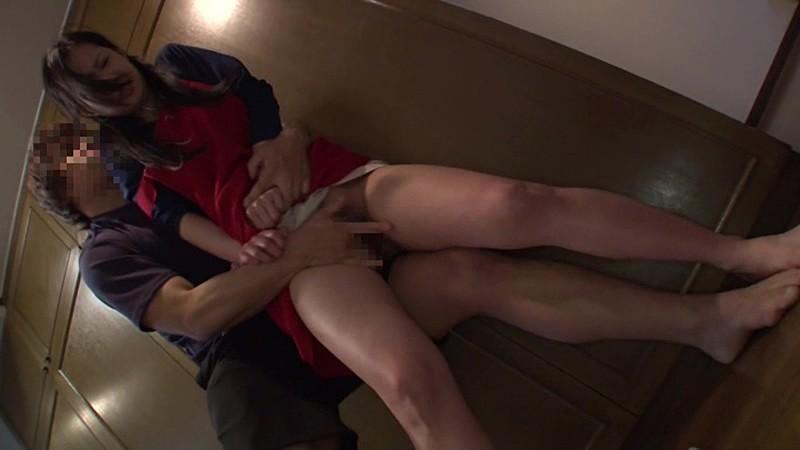 NHDTA-700 母親失格!娘の前で痴漢され絶頂を我慢し続ける巨乳母