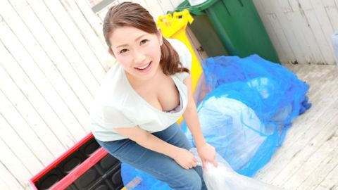 1pon 082419_890 彩月あかり 朝ゴミ出しする近所の遊び好き隣のノーブラ奥さん